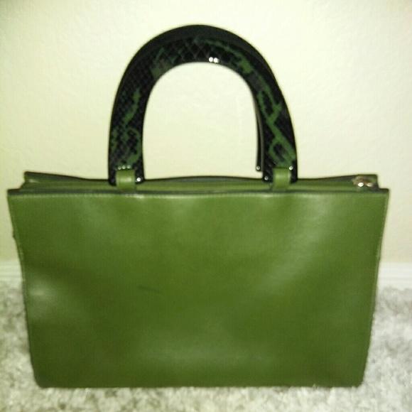 Estee Lauder Handbags - Estee Lauder Green Leather Purse Croc Handles ab327a8d24b0f